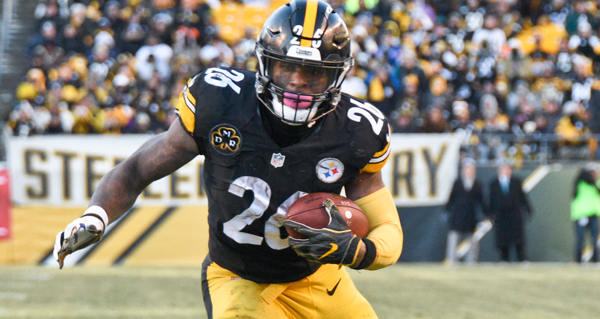 Le'Veon Bell Plans To Report To Steelers On Labor Day